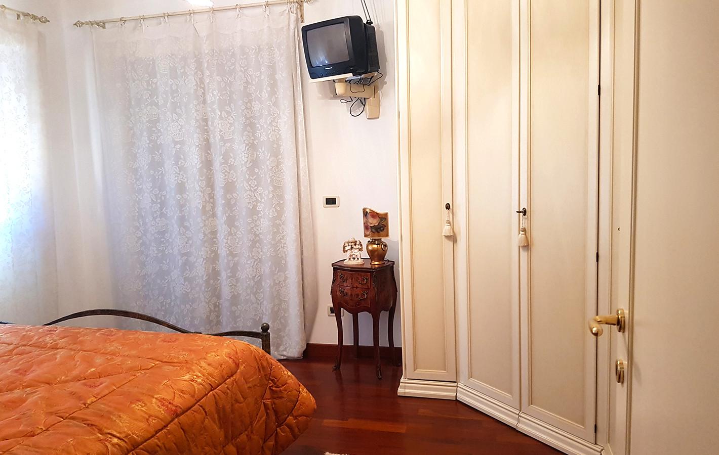 camera matrimoniale rif. AI-014