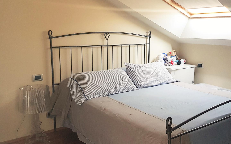 mansarda camera da letto AI-78