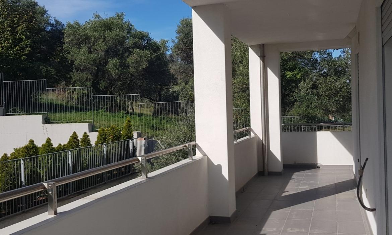 AI-16 balcone